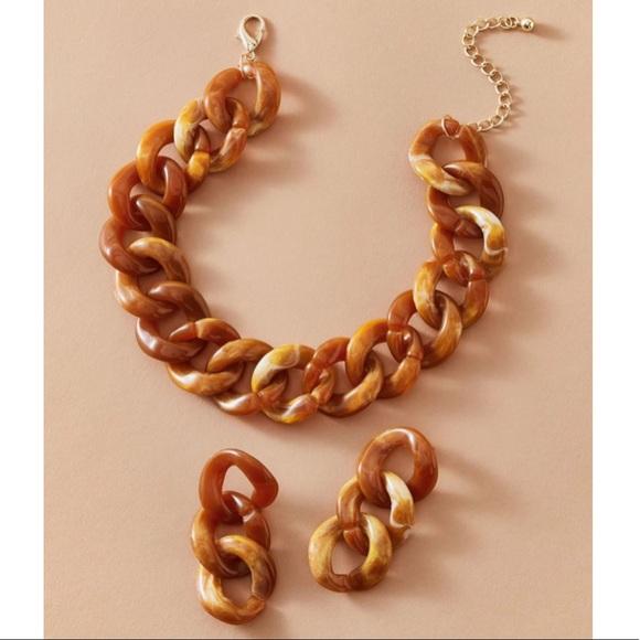LAST 1! Tortoiseshell Resin Necklace & Earrings